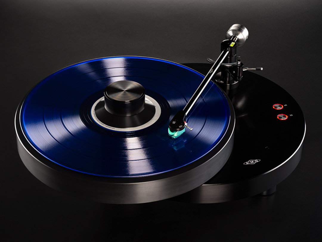AMG Giro G9 Turntable with 9W2 Tonearm Shown with Teatro MC Cartridge